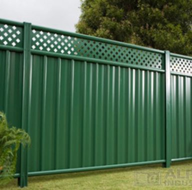 Panel Fencing in Cottage Green™ with Lattice