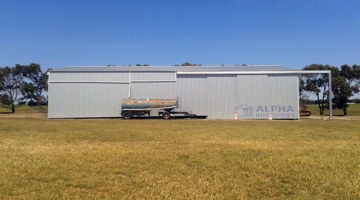 ZINCALUME® Gable Farm Shed with 1 End Outrigger